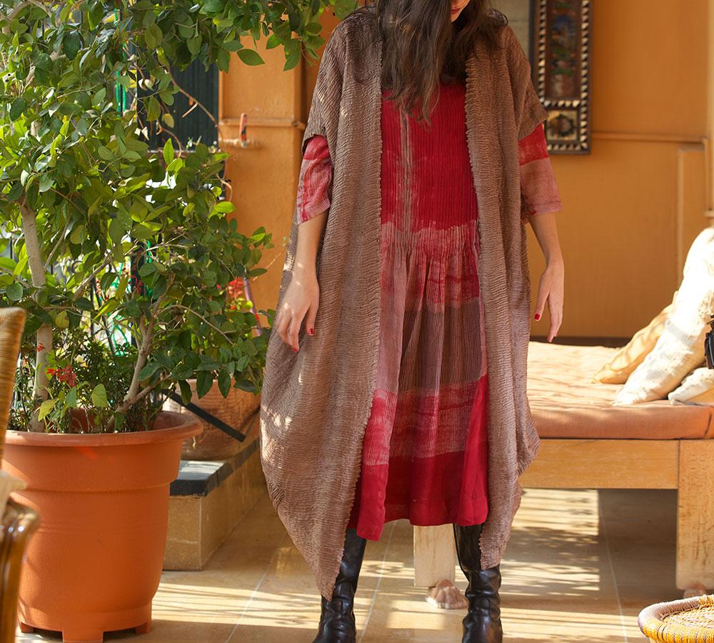 silk beige pin-tucked abhai with red shibori